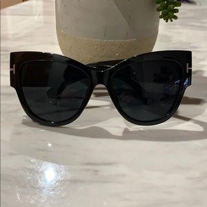 {Giuliana + Madison} Sunglasses